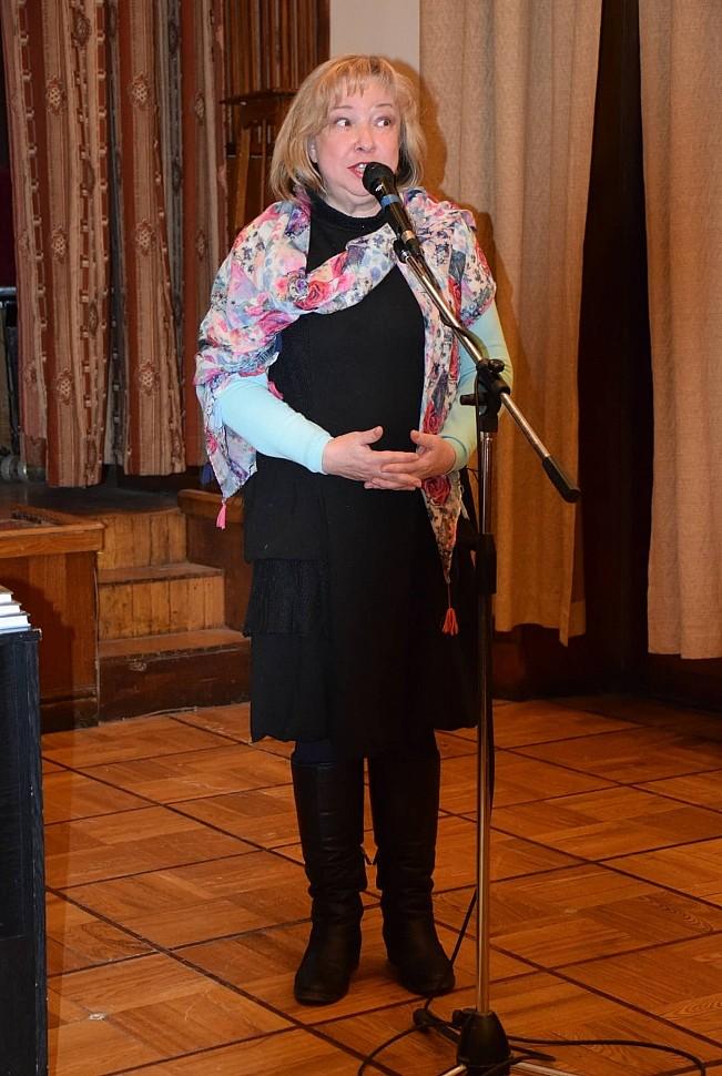 И. Овчаренко читает свои стихи